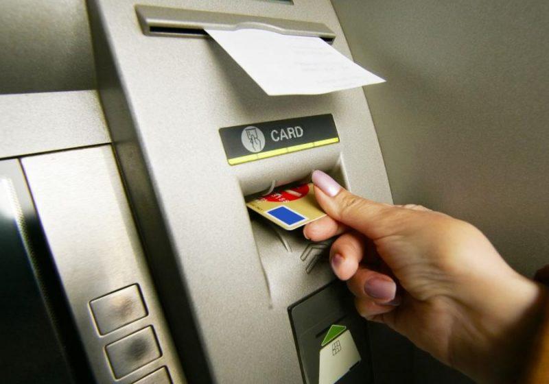 co zrobić gdy bankomat zjadł karte