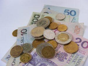 Pieniądze na ratę pożyczki ratalnej długoterminowej - często ostatnie grosze